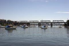 Eisen-Bucht-Brücke Stockbilder