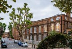 Eisen-Geländer bei Rochelle Street Primary School lizenzfreie stockfotografie