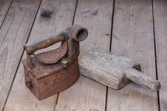 Eisen und der Gegenstand für waschende Kleidung Stockbild