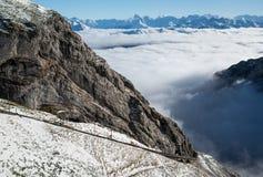 Eisenbahn auf dem Berg in der Schweiz stockbild