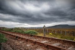 Eisenbahn in den Hochländern Stockbild