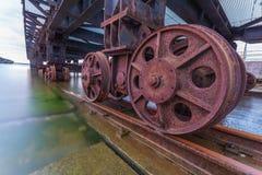 Eisenbahn, die zu das Meer führt Lizenzfreie Stockfotografie