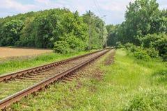 Eisenbahn im Land lizenzfreie stockfotografie