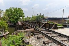 Eisenbahnbrücke über dem Kanal Lizenzfreie Stockfotografie