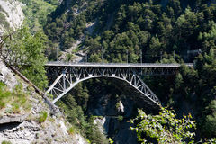 Eisenbahnbrücke über Schlucht Stockfotos