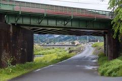 Eisenbahnbrücke über Uno River in Kameoka, Japan Lizenzfreie Stockfotografie