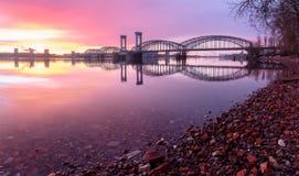 Eisenbahnbrücke Finlyandsky Stockfotografie
