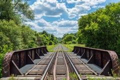 Eisenbahnen auf einer Brücke - kanadische nationale Eisenbahn Lizenzfreie Stockfotografie