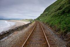Eisenbahnlinie in Harlech, Wales stockbilder