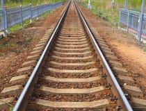 Eisenbahnlinie zum unbegrenzten lizenzfreie stockfotografie