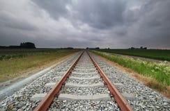 Eisenbahnlinien in der Landschaft stockfoto