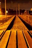 Eisenbahnlinien nachts Stockfoto