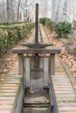 Eisenbau über Wasserstrom Lizenzfreies Stockfoto