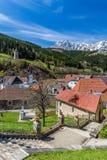 Eisenerz ed alpi in Fondo-Austria Fotografie Stock