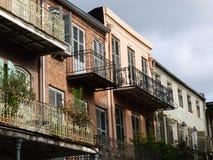 Eisengießerei-Balkone Stockfotos