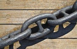 Eisenkette für Bootsanker Stockbilder