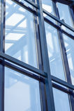 Eisenrahmen mit Glas Stockfoto