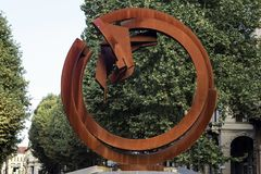 Eisenskulptur von Novara, Italien stockbild