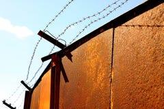 Eisentore im Gefängnis Lizenzfreie Stockfotos