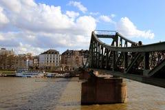 Eiserner Steg,桥梁在法兰克福 免版税库存图片
