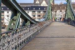 Eiserner steg en Rivierleiding Royalty-vrije Stock Foto
