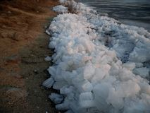 Eisgang auf dem Ussuri-Fluss Stockbild