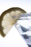 Eisgetränk mit Zitrone Lizenzfreies Stockfoto