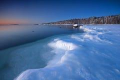 Eisige Küste von Helsnki stockfotografie