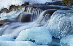 Eisige Kaskade Stockbilder