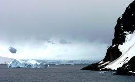 Eisige Landschaft in Antarktik stockbild