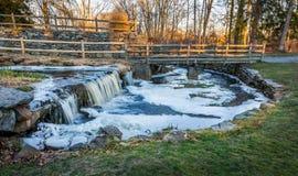 Eisiger Fluss-Fluss Stockfotografie