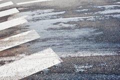 Eisiger Fußgängerübergang Lizenzfreies Stockfoto