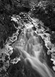 Eisiger Wasserfall Stockbild