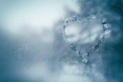 Eisiges Fenster als kühler Hintergrund stockfotografie