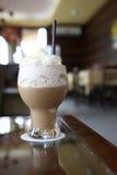 Eiskaffee in der Kaffeestube Stockbild