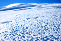 Eiskruste auf dem Schnee Stockbild