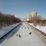 Eislauf auf den Rideau Kanal Lizenzfreie Stockfotos