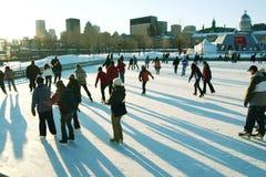 Eislauf in die Stadt Lizenzfreies Stockfoto