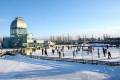 Eislauf in die Stadt Stockfotos