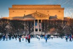 Eislaufeisbahn und die Archive in Washington, DC stockbilder