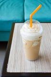 Eismischungs-Karamellkaffee Stockbild