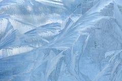 Eismuster auf Winterglas Weihnachten gefrorener Hintergrund Winter Effekt tonend lizenzfreie stockfotos