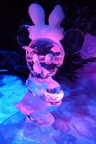 Eisskulptur von Disneys Minnie stockbild
