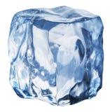 Eiswürfel auf einem weißen Hintergrund Niedrige Schärfentiefe Über Weiß lizenzfreies stockfoto