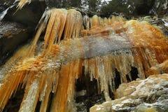 Eiszapfen in Teplice-Felsen in der Tschechischen Republik Stockfotografie