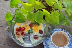 Eiwanne und -kaffee Lizenzfreie Stockfotografie