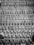 Ejército de estatuas de rogación del monje en Hase Dera Temple en Kamakura imagenes de archivo