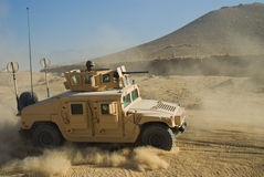 Ejército HMMWV imagenes de archivo