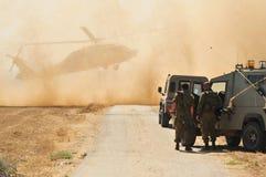 Ejército y helicóptero israelíes foto de archivo