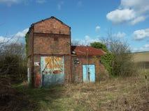 Eje de mina abandonado y dilapidado Foto de archivo libre de regalías